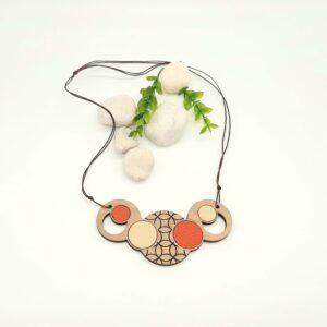 Lesena ogrlica KROGI oranžno - bež